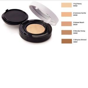 Body Shop - Fresh Nude Cushion Foundation